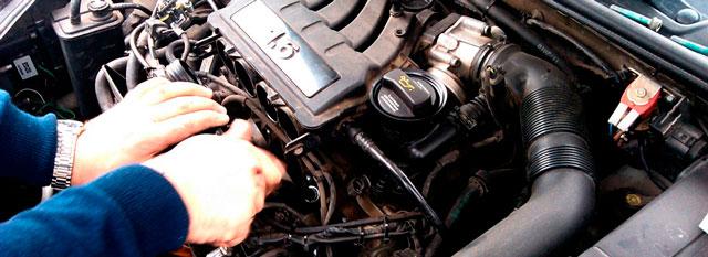 Как завестись зимой и не залить свечи автомобиля?